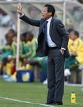 <p>L'allenatore del Giappone Takeshi Okada. REUTERS/Siphiwe Sibeko (SOUTH AFRICA SPORT SOCCER)</p>