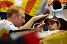 <p>Lucas Di Grassi, reserva da Renault, afirmou que vai disputar o campeonato de Fórmula 1 em 2010 como titular de uma equipe nova da categoria (foto de arquivo). REUTERS/Joachim Hermann</p>