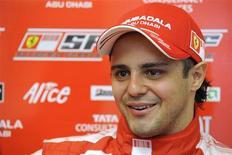 <p>Foto de arquivo de Felipe Massa. O piloto brasileiro reclamou de dores no pescoço após completar, neste 16 de dezembro, o segundo dia de testes com um modelo de 2007 da Ferrari no circuito privado da escuderia italiana. REUTERS/Ercole Colombo/Handout</p>