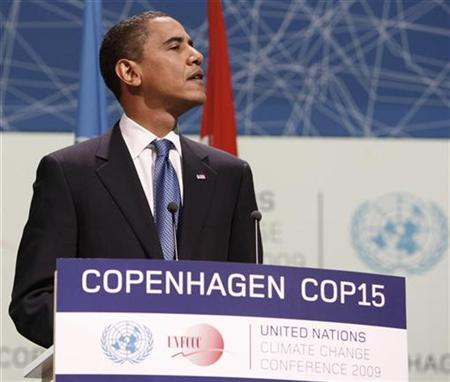 U.S. President Barack Obama attends the morning plenery session of the United Nations Climate Change Conference (COP15) at the Bella Center in Copenhagen December 18, 2009. REUTERS/Larry Downing