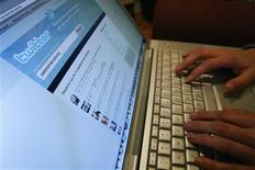 <p>Depois de temporariamente invadido, o Twitter voltou a operar (foto de arquivo). REUTERS/Mario Anzuoni</p>