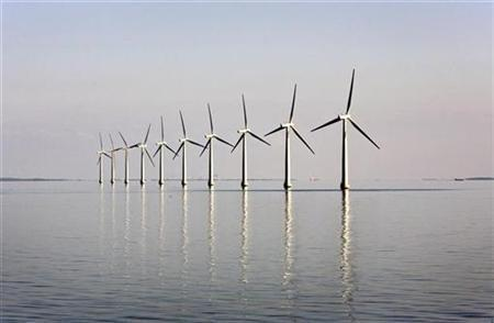 An offshore wind farm stands in the water near the Danish island of Samso May 19, 2008. REUTERS/Bob Strong