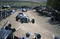 """<p>Cena de Gran Turismo HD, para Playstation 3. A Sony adiou o lançamento da nova versão do popular game de corrida de carros """"Gran Turismo"""", citando questões relacionadas à produção do título.08/05/2006.EDITORIAL USA ONLY REUTERS/Fred Prouser</p>"""