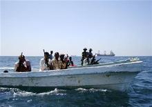<p>In Somalia la Guardia costiera in servizio di pattuglia al largo delle coste di Mogadiscio. REUTERS/Feisal Omar</p>