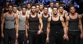 <p>Un momento della sfilata di Dolce & Gabbana a Milano. RUTERS/Alessandro Garofalo</p>