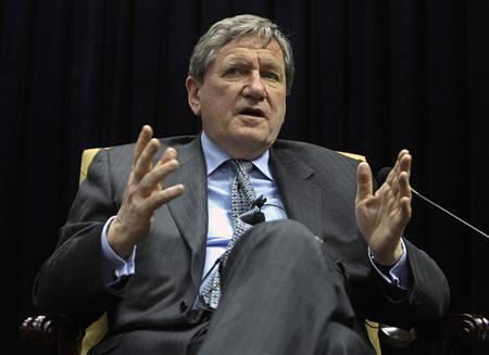 Richard Holbrooke, the U.S. special envoy to Pakistan and Afghanistan, speaks during a discussion with journalists in Kabul January 17, 2010. REUTERS/ Omar Sobhani