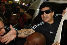 <p>Técnico argentino Diego Maradona quer acabar com 24 anos de maldição argentina na Copa. REUTERS/Siphiwe Sibeko</p>