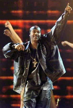 Mystikal performs his song ''Shake It Fast'' at the 2000 Billboard Music Awards at the MGM Grand in Las Vegas, December 5, 2000. REUTERS/Ethan Miller