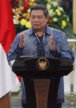 <p>Le troisième album de musique pop du président indonésien Susilo Bambang Yudhoyono est paru lundi. /Photo d'archives/REUTERS/Enny Nuraheni</p>