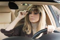 """<p>Imagen publicitaria de la actriz Sandra Bullock en una escena del filme """"The Blind Side"""". Tras 20 años, Sandra Bullock finalmente se está considerando a sí misma como una buena actriz. Y Hollywood parece estar de acuerdo. Bullock, conocida por comedias románticas como """"Miss Congeniality"""" y """"Two Weeks Notice"""", inicialmente se mostró reacia a representar a una persona real en el drama """"The Blind Side"""", pero el rol llevó el martes a la actriz a su primera nominación a los premios Oscar. Favorita entre el público por largo tiempo, la versatilidad que mostró en """"The Blind Side"""" le trajo varios honores, incluyendo un Globo de Oro y un premio del Sindicato de Actores (SAG). REUTERS/Ralph Nelson/Warner Bros Pictures/Handout</p>"""