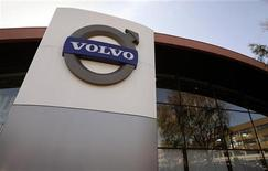 <p>The logo of Volvo is seen at the main entrance to a customer showroom at company headquarters in Gothenburg September 23, 2008. REUTERS/Bob Strong</p>