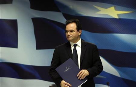 Griechenlands Finanzminister George Papaconstantinou verlässt eine Pressekonferenz in Athen am 9. Februar 2010. REUTERS/Yiorgos Karahalis