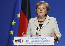 <p>Канцлер Германии Ангела Меркель на пресс-конференции саммита глав ЕС в Брюсселе 11 февраля 2010 года. Канцлер Германии Ангела Меркель выступила против скорейшего кредитования Греции на саммите Евросоюза в четверг, на котором так и не был предложен конкретный план помощи отягченной долгами стране, сообщила в пятницу британская газета Guardian. REUTERS/Thierry Roge</p>