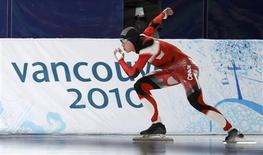 <p>Jeremy Wotherspoon of Canada skates in the men's 500 metres speed skating race at the Richmond Olympic Oval during the Vancouver 2010 Winter Olympics, February 15, 2010. REUTERS/Jerry Lampen</p>