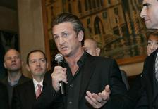 <p>Una immagine di archivio di Sean Penn durante una conferenza a San Francisco, California. REUTERS/Robert Galbraith</p>