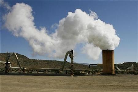 Steam rises during a test from a well at the Coso geothermal field at the China Lake Naval Air Weapons Station in China Lake, California July 31, 2008. REUTERS/Fred Prouser