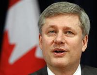 <p>Canada's Prime Minister Stephen Harper speaks while meeting with business professionals in Ottawa February 9, 2010. REUTERS/Blair Gable</p>