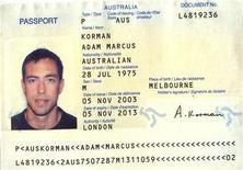 <p>Копия паспорта мужчины, опознанного как гражданин Австралии Адам Маркус Корман, в полицейском отделении 24 февраля 2010 года.Растущее недовольство по поводу убийства одного из руководителей ХАМАС в дубайском отеле в четверг достигло Австралии, когда посол Израиля был вызван для разговора по поводу использования австралийских паспортов подозреваемыми в убийстве. REUTERS/Dubai Police/Handout</p>