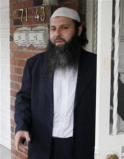 Ahmad Wais Afzali, a New York imam, arrives home after being released on bail from federal custody in Queens, New York in this September 24, 2009 file photo. REUTERS/Cary Horowitz