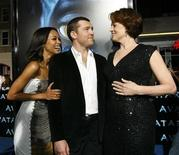 "<p>Cast members Zoe Saldana (L), Sam Worthington (C) and Sigourney Weaver attend the premiere of ""Avatar"" at the Mann's Grauman Chinese theatre in Hollywood, California December 16, 2009 file photo. REUTERS/Mario Anzuoni</p>"
