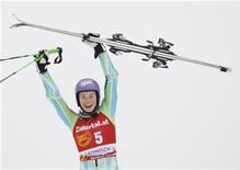 <p>Tina Maze esulta dopo la vittoria. REUTERS/Miro Kuzmanovic (GERMANY)</p>