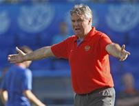 <p>Russia's national soccer coach Guus Hiddink reacts during a training session for the Euro 2008 soccer tournament in Basel June 20, 2008. REUTERS/Michael Kooren</p>