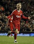 <p>Fernando Torres, do Liverpool, comemora gol em goleada sobre o Portsmouth pelo Campeonato Inglês. REUTERS/Phil Noble</p>