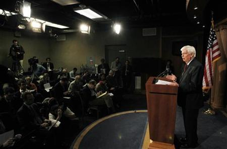 Senate Banking Committee Chairman Chris Dodd unveils his financial reform substitute on Capitol Hill in Washington, March 15, 2010. REUTERS/Jason Reed