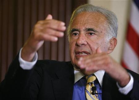 Investor Carl Icahn speaks at the Wall Street Journal Deals & Deal Makers conference, held at the New York Stock Exchange in this June 27, 2007 file photo. REUTERS/Chip East