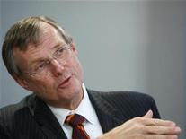 <p>Ed Clark, the chief executive of TD Bank, speaks at the Reuters Finance Summit in New York in this November 12, 2008 file photo. REUTERS/Brendan McDermid</p>