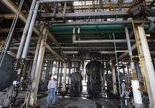 <p>Impianto di biodiesel in foto d'archivio. REUTERS/Enrique Marcarian</p>