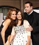 """<p>lla Bleu Travolta na estreia de seu novo filme """"Surpresa em Dobro"""" em Hollywood. O filme estreia em circuito nacional neste final de semana. 09/11/2010 REUTERS/Fred Prouser</p>"""