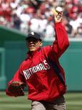 <p>Presidente dos EUA, Barack Obama, faz o lançamento inicial da temporada de beisebol dos EUA em Washington. 05/04/2010 REUTERS/Kevin Lamarque</p>