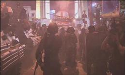 <p>10 aprile 2010, fotogramma del video girato da Hiro Muramoto. REUTERS/Reuters TV</p>