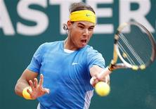 <p>Tenista Rafael Nadal enfrenta o também espanhol Juan Carlos Ferrero pelas quartas-de-final do Masters de Monte Carlo. REUTERS/Sebastien Nogier</p>