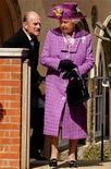<p>La regina Elisabetta con il marito, il principe Filippo. REUTERS/Ben Stansall/POOL</p>