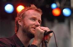 <p>Matt Berninger of the National performs at Virgin Mobile Free Fest, in Columbia, Maryland August 30, 2009. REUTERS/Bill Auth</p>