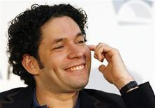 <p>Venezuelan born Gustavo Dudamel, the new music director of the Los Angeles Philharmonic, takes part in a press briefing in Los Angeles September 30, 2009. REUTERS/Fred Prouser</p>