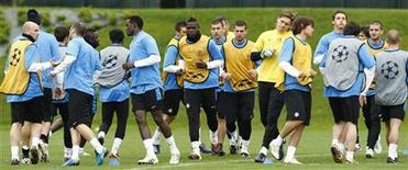 """<p>Игроки """"Интера"""" на тренировке недалеко от Милана 27 апреля 2010 года. В субботу 22 мая в 22.45 МСК в финале Лиги чемпионов сыграют """"Бавария"""" и """"Интер"""". REUTERS/Alessandro Garofalo</p>"""