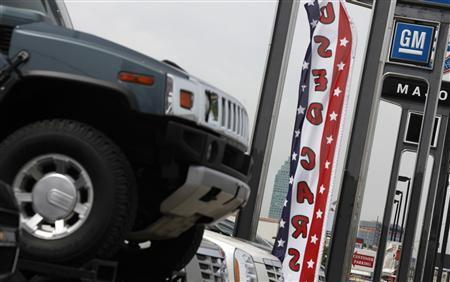 Car dealerships are seen along Northern Blvd in New York, May 17, 2010. REUTERS/Shannon Stapleton