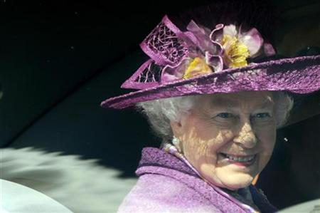Britain's Queen Elizabeth leaves after attending an Easter Sunday church service in Windsor on April 4, 2010. REUTERS/Ben Stansall/POOL