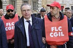 <p>Guglielmo Epifani, segretario generale del sindacato Cgil, in foto d'archivio. REUTERS/Max Rossi</p>