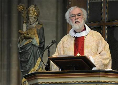 Britain's Archbishop of Canterbury Rowan Williams leads the Easter Day Eucharist service at Canterbury Cathedral in in Canterbury in south east England April 4, 2010. REUTERS/Toby Melville