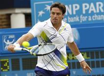<p>Marcos Daniel não teve chance diante de Rafael Nadal no torneio de Queen, em Londres. REUTERS/Suzanne Plunkett</p>