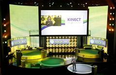 <p>Phil Spencer fala do Xbox 360 em Los Angeles. O desânimo que vinha afligindo o setor de videogames dos Estados Unidos está prestes a acabar --e o momento é perfeito, considerando que a indústria começará a exibir novos produtos na gigante E3 Expo, em Los Angeles, a partir desta terça-feira.14/06/2010.REUTERS/Mario Anzuoni</p>