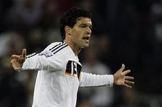 <p>Michael Ballack of Germany reacts during his team's 2010 World Cup qualification soccer match against Wales in Moenchengladbach October 15, 2008. REUTERS/Alex Grimm</p>