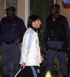 <p>O argentino Lionel Messi está gripado e não treinou com a equipe nesta quinta-feira. REUTERS/Enrique Marcarian(SOUTH AFRICA - Tags: SPORT SOCCER WORLD CUP)</p>