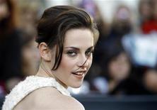 """<p>A atriz Kristen Stewart no lancçamento do filme """"A Saga Crepúsculo: Eclipse"""", no Festival de Cinema de Los Angeles em junho. As vendas mundiais nas bilheterias ficaram abaixo do esperado neste final de semana. 24/06/2010 REUTERS/Mario Anzuoni</p>"""
