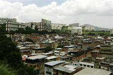 <p>A view of the 23 de Enero neighbourhood in Caracas June 7, 2010. REUTERS/Edwin Montilva</p>