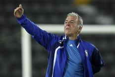 <p>Belgian Eric Gerets gestures during a training session at the al-Sadd stadium in preparation for the AFC Champions League soccer match against al-Sadd, in Doha February 23, 2010. REUTERS/Fadi Al-Assaad</p>
